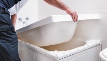 Что такое акриловый вкладыш в ванну и его основные преимущества